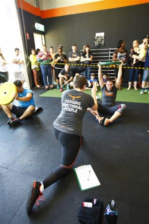 140831 CrossFit Nouveau Throwdown 1061.jpg